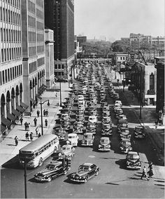 Detroit, 1952. Evening rush hour traffic along Second Avenue.