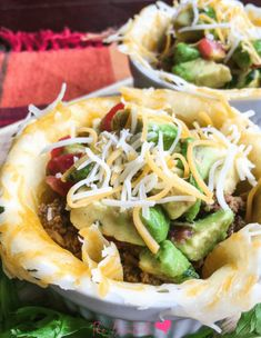 Ready for an easy low carb and grain free meal? Low Carb Taco Cups with Avocado Salsa is the perfect recipe! Not only are these taco cups SO healthy and delicious, they are ready to serve in just 30 minutes! Mexican Food Recipes, Keto Recipes, Dinner Recipes, Ethnic Recipes, Dinner Ideas, Atkins Recipes, Healthy Recipes, Party Recipes, Ketogenic Recipes