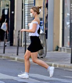 Lily Rose Melody Depp, Chloe Grace Moretz, Celebs, Celebrities, Types Of Fashion Styles, Celebrity Style, Summer Outfits, Style Inspiration, Character Inspiration