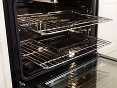 How to Clean Your Oven | News Break Oven Cleaning Service, Oven Cleaning Hacks, Cleaning Oven Racks, Cleaning Your Dishwasher, Diy Home Cleaning, Household Cleaning Tips, Green Cleaning, Cleaning Solutions, Cleaning Supplies