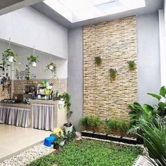 Minimalist Home Terrace Ideas with Minimalist Plant Garden 62 exterior design minimalist Minimalist Home Terrace Ideas with Minimalist Plant Garden 62 Small Backyard Gardens, Backyard Garden Design, Small Garden Design, Small Gardens, Indoor Garden, Backyard Landscaping, Home And Garden, Terrace Design, Terrace Garden