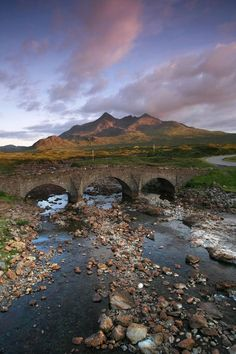 & Tourist Information The Old Bridge at Sligachan, Isle of Skye, Inner Hebrides.The Old Bridge at Sligachan, Isle of Skye, Inner Hebrides. Places To See, Places To Travel, Magic Places, Old Bridges, Scottish Highlands, Highlands Scotland, Scotland Castles, Voyage Europe, Tourist Information