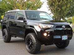 2017 Toyota row with TRD Pro Front end Lifted 4runner, 2017 Toyota 4runner Sr5, Lifted Ford Trucks, Toyota Tacoma, Toyota Trucks, Toyota Lift, Four Runner, Car Goals, Best Classic Cars