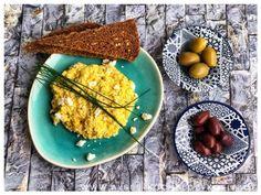 Tuerkisches Ruehrei Rezept mit Feta und Dill Jamie Oliver, Guacamole, Pear, Mexican, Eggs, Buffet, Dinner, Breakfast, Ethnic Recipes