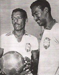 Zizinho e o também craque Didi da seleção brasileira de futebol.