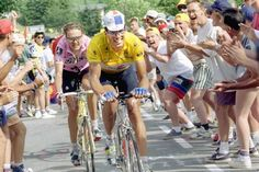 Indurain and Alex Zülle going on along the human aisle on their way up to Alpe D'Huez (Tour 95)