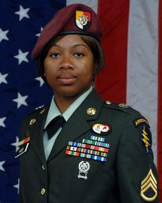 Soldier pushes through adversity, takes Special Forces Group top NCO title 3rd Special Forces Group, Army Sergeant, Vietnam War Photos, American Veterans, Military Pictures, Black History Facts, Military Women, Ebony Women, African American History