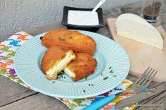 Caș pane rețeta simplă din caș de vacă sau de oaie. Cum se face caș pane la tigaie? Ce caș folosim la rețeta de caș pane? Caș prăjit în Cas, Breakfast Pancakes, Mozzarella, Food Art, French Toast, Pizza, Cooking Recipes, Vegetarian, Urban