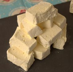Delicious delicate floral homemade marshmallows, perfect for Mothering Sunday.