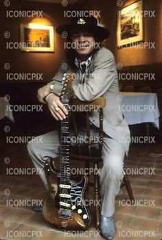 Stevie Ray Vaughan - Photosession in Paris France - 23 Sep 1986. Photo credit: Christian Rose/Dalle