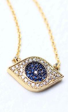 Eye pendant necklace warding off evil. I Love Jewelry, Jewelry Box, Jewelery, Jewelry Accessories, Fashion Accessories, Jewelry Necklaces, Evil Eye Jewelry, Evil Eye Necklace, Silver Shop