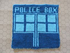 2014 Geek-A-Long: week 17 Dr. Who | TARDIS knitting pattern with color chart