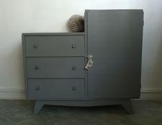 Petite armoire asymétrique vintage www.monpetitmeuble.com