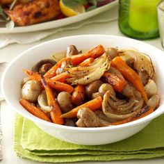 Savory Roasted Carrots with Mushrooms Recipe -You'll need only 10 minutes to get these savory veggies ready for the oven. Then just stir them a few times during roasting—Pam Corder, Monroe, Louisiana Side Dish Recipes, Vegetable Recipes, Side Dishes, Vegetable Ideas, Main Dishes, Fall Recipes, Dinner Recipes, Christmas Recipes, Christmas Entrees