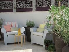 #PascalDelmotte #interiordesign #design #decorating #residentialdesign #homedecor #colors #decor #designidea #terrace #chairs #pillows #decanter #coffeetable Outdoor Sofa, Outdoor Furniture, Outdoor Decor, Design Agency, Terrace, Villa, Pillows, Interior Design, Chair