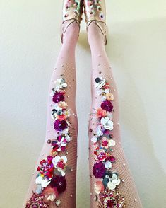 Perfectly pink sequin flowers fishnets, for all you pink lovers out there Sparkly Tights, Floral Tights, Fishnet Tights, Mermaid Tights, Fairy Clothes, Cool Outfits, Fashion Outfits, Mode Style, Costume Design