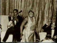 Bessie Smith Interesting Documentaries, Best Documentaries, Bessie Smith, Black Art Pictures, Jazz Blues, My Black Is Beautiful, Jazz Age, Sculptural Fashion, Women In History