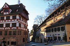Dürer-Haus und Stadtmauer