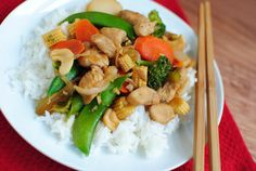 Spicy Cashew Chicken has a mouthwatering spicy, garlicky sauce.  | iowagirleats.com