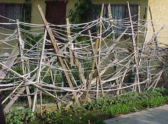 Homemade Trellises and other DIY items for the garden Garden Yard Ideas, Garden Art, Garden Design, Diy Trellis, Garden Trellis, Pumpkin Garden, Plant Supports, Life Is Beautiful, Garden Inspiration