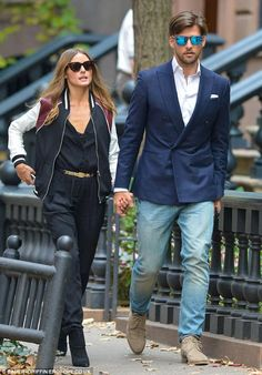Olivia Palermo and Johannes Huebl are equally stylish for dinner date Estilo Olivia Palermo, Olivia Palermo Lookbook, Olivia Palermo Style, Alexa Chung, Stylish Couple, Winter Looks, Winter Style, Australian Fashion, Couple Outfits
