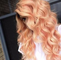 Peach hair is having a serious moment. These drop-dead gorgeous peach hair color looks will have you running to your colorist. Pastel Orange Hair, Coral Hair Color, Peach Hair, Bright Hair, Hair Colours, Coral Orange, Peachy Hair Color, Turquoise Hair, Orange Nails