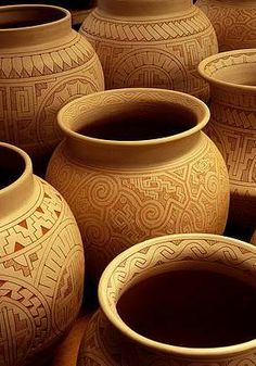 Marajoara pottery from the north of Brazil Types Of Texture, Xingu, Arte Popular, Photo Reference, Terra, Handicraft, Drawing, Unique, Tips