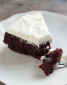 Guinness Chocolate Cake Recipe with Creamy White Frosting from www.inspiredtaste.net #cake #chocolate  http://fillmytummy.info/category/chocolate-cake-recipes/