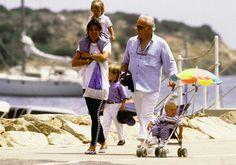 1988 - Rainier with Caroline and children