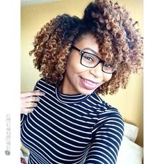 """by @melfacemish """"Merry Christmas! """" #Hair2mesmerize #naturalhair #healthyhair #naturalhairjourney #naturalhairstyles #blackhairstyles #transitioning"""