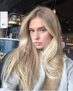 blonde hair look Blonde Hair Looks, Brunette Hair, Blonde Hair Girl, Pale Skin Blonde Hair, Golden Blonde Hair, Hair Day, New Hair, Platinum Blonde Hair, Dye My Hair