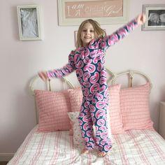 A Vision to Remember~Rag Quilt Patterns, Tutorials, & Recipes Rag Quilt Patterns, Toddler Pajamas, Christmas Pajamas, Marathon, Cold Shoulder Dress, Tutorials, Blog, Handmade, Dresses