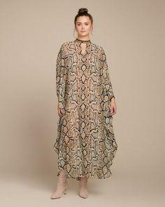 Plus Size Boho - roseybeeme Plus Size Dresses, Plus Size Outfits, Camilla Kaftan, Silk Kaftan, Maxi Kaftan, Rocker Look, Day To Night Dresses, Feminine Dress, Boho Look