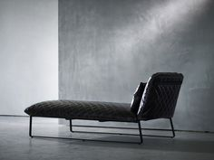 Kekke chaise lounge by Piet Boon