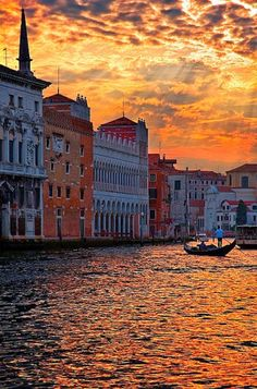 Perfect Honeymoon Destinations - Venice, Italy (Travel Destination Def) Sunset - Italy