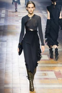 Lanvin - Catwalk Queen: Julia Bergshoeff - Fashion Week - Fashion