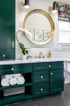 27 Inspirational Bathroom Color Ideas Guest Bathroom Makeover, green cabinets, round gold mirror, marble, black and white Bad Inspiration, Bathroom Inspiration, Bathroom Ideas, Decoration For Bathroom, Decorating Bathrooms, Green Cabinets, White Cabinets, Vinyl Decor, Beautiful Bathrooms