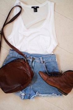 Perfect simple outfit for the late summer nights [ VelvetEyewear.com ] #simplicity #luxury #style