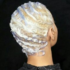 opalescent hair We're obsessed with this gorgeous take on finger waves, which have touches of purple and blue throughout, adding some depth to this holographic hair. Cabello Opal, Finger Waves Short Hair, Finger Curls, Hair Inspiration, Hair Inspo, Hair Colorful, Opal Hair, Curly Hair Styles, Natural Hair Styles