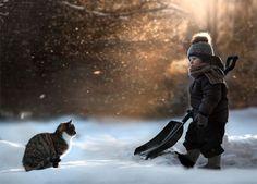 Elena Shumilova's magical, wintry photography: Cat and snow shovel