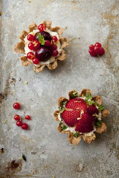 Summer Mascarpone Berry Tartlets w/Almond Crust