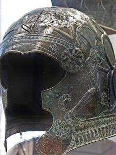 Ornate Bronze helmet from south central Crete 7th century BC | Flickr: Intercambio de fotos