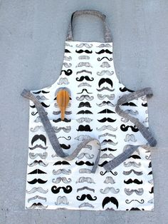 Reversible Chef's Apron Where's My Stache and door LaPetiteCovers