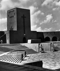 Monumento Nacional de Tannenberg (1926-27), Prússia Oriental, Walter e Johanners Krüger