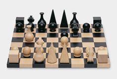 「MoMA DESIGN STORE」に、マン・レイがデザインしたというチェスセットの復刻版が登場。