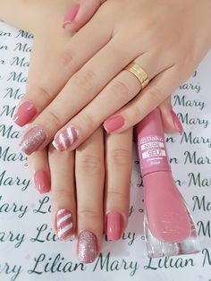 The latest fashion trends of 2019 nails are revealed here. Let's imagine what design nails would be the best before. Diy Nails, Cute Nails, Pretty Nails, Pointed Nails, Nails Only, French Nails, Simple Nails, Manicure And Pedicure, Nails Inspiration