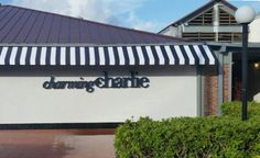https://charliechanaratsopon.wordpress.com/2017/05/29/new-charming-charlie-location-now-open-at-the-falls-shopping-center/