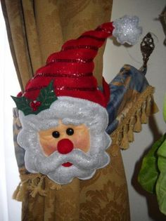 Adornos navideños para cortinas Christmas Towels, Christmas Sewing, Christmas Fabric, Christmas Stockings, Christmas Crafts, Christmas Ornaments, Christmas Humor, Christmas Time, Seasonal Decor