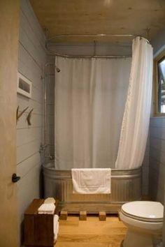 Casa de banho com uma banheira galvanizado <3 por Tami por Tami por rperiod