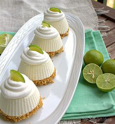 Lime Pie, cute little no-bake pies that will have your family raving for more! These individual frozen key lime pies are an easy, mini version of your favorite summertime dessert. Tailgate Desserts, Mini Desserts, Frozen Desserts, No Bake Desserts, Just Desserts, Delicious Desserts, Dessert Recipes, Yummy Food, Individual Desserts